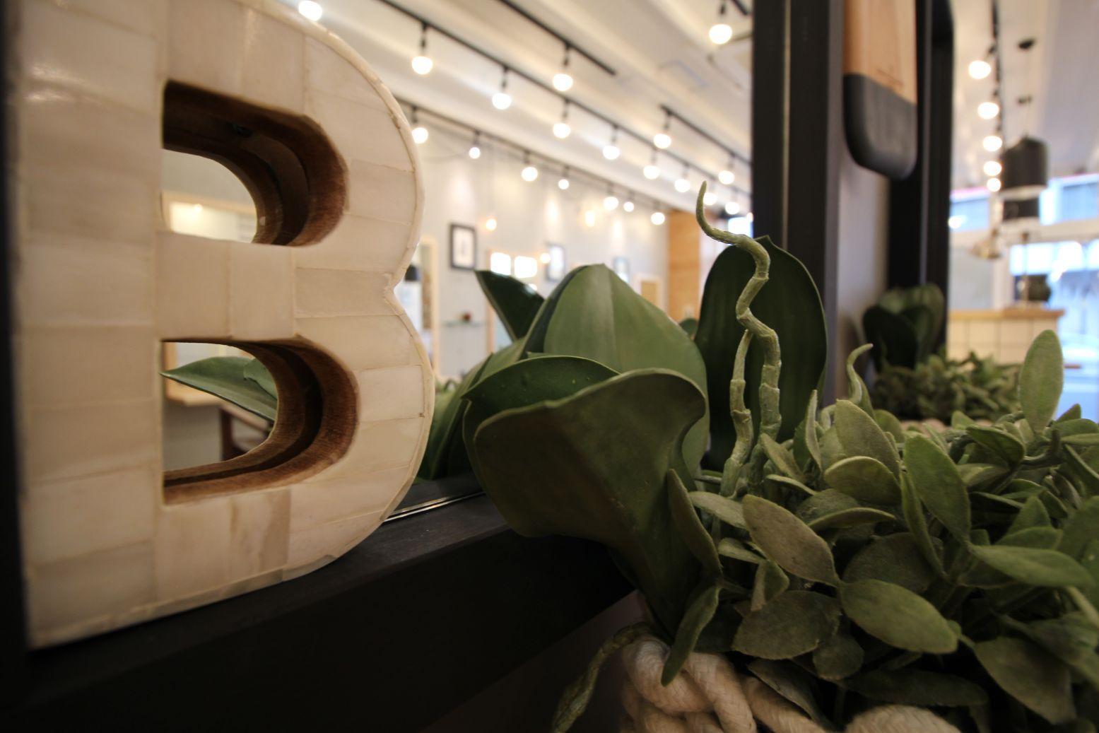 北海道札幌市の美容室内装デザイン
