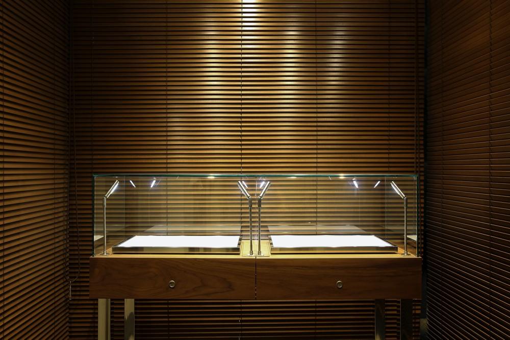 Largoが手がけた銀座のブランド買取店の内装デザイン