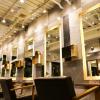【美容室】ゴールドを基調にしたラグジュアリーな空間の店舗内装デザイン